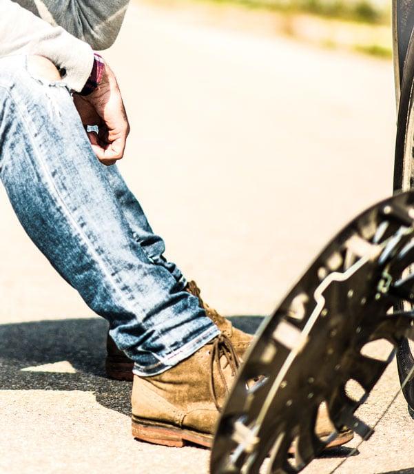 Réparer les freins qui grincent dans les jours avant Chris Fix